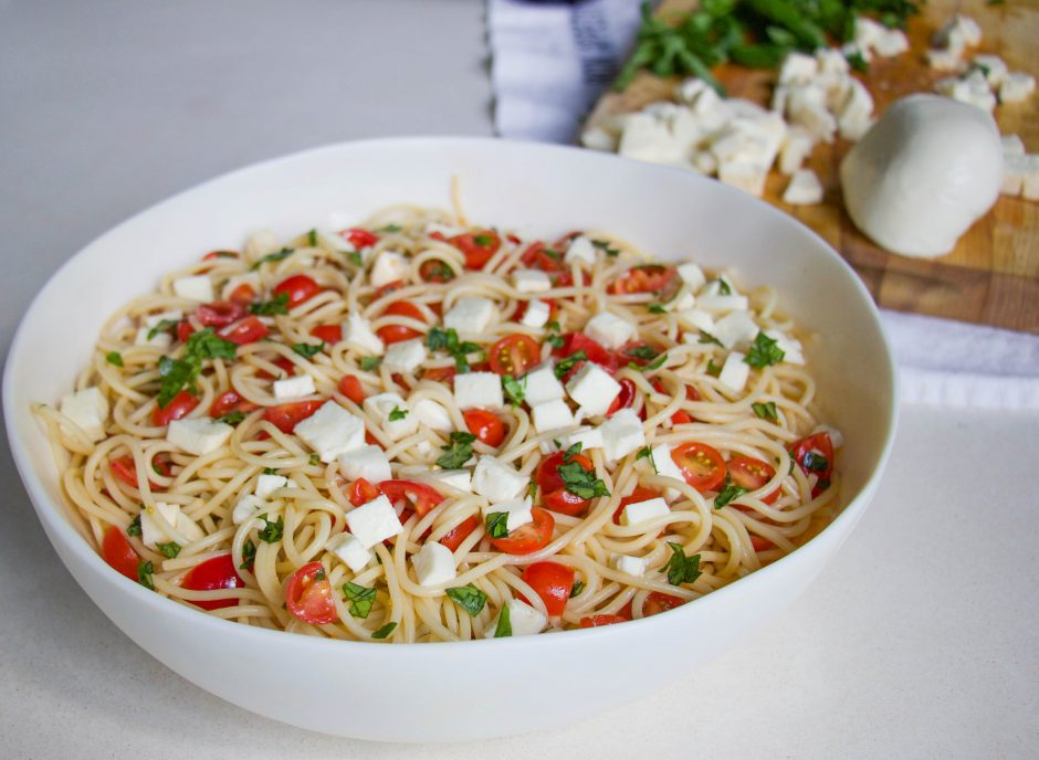 Lifestyle blogger Lyndsey Zorich of L. Avenue shares how to make a summer Italian pasta recipe